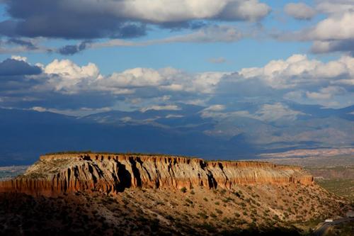 http://www.trafic-bg.com/admin/images/New-Mexico-Radiator-Springs.jpg